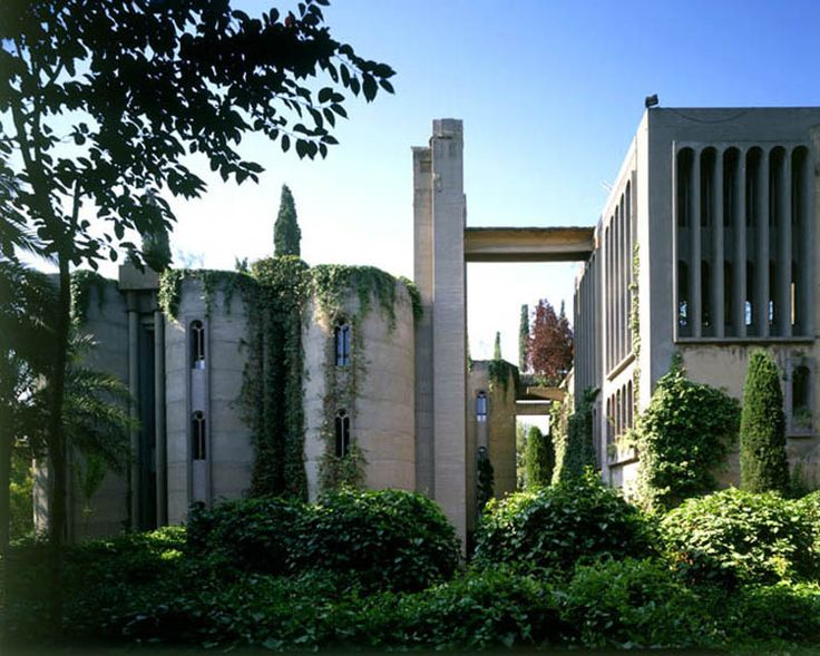 Photograph by Ricardo Bofill   The cement factory conversion by Ricardo Bofill in Barcelona, Spain is one of the most interesting the Sifter has seen to date. With over 30 silos, multiple buildings and towering ceilings throughout, the space is incredibly raw and presents countless design challenges. Now a multi-purpose facility with an office, residence, [...]