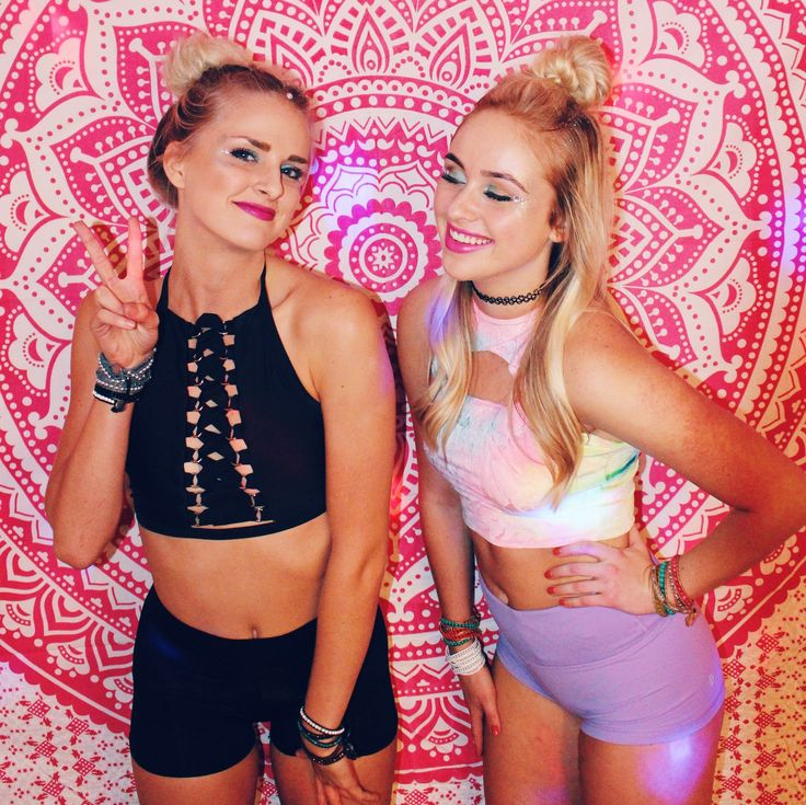 Festival Vibes🦄✨ Flower Power Mandala Tapestry and Everwear Bracelets by Lady Scorpio ☽ ✩ Save 25% off all orders with code PINTERESTXO at checkout | Lady Scorpio | Models Kaitlyn Johnson @kaitlyn_johnson & Ashley Heaton @missashheat | Shop Now LadyScorpio101.com | @LadyScorpio101