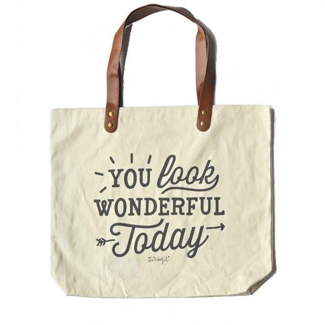 <p>Tote bag <span>en coton You look wonderful today, anses simili-cuir, message amusant </span>et motivant, design Mr Wonderful. A emporter en balade au soleil, dans le métro ou à vélo pour être toujours de bonne humeur ! On aime ce message et le graphisme utilsé !</p> <p><em><em><br /></em></em></p> <p><em><br /></em></p>