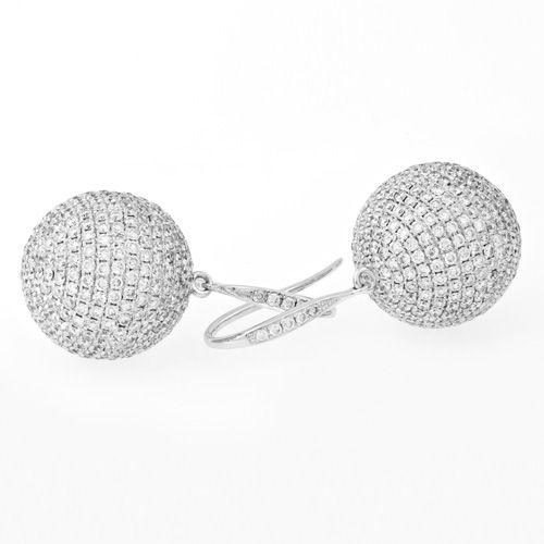 Diamonds International Brilliant Cut White Gold Diamond Earrings. 18ct white gold Diamond set sphere earrings 814 x Round Brilliant Cut Diamonds = 5.55ct pave set.  Product reference G6683.  #diamonds #earrings  #whitegold #earrings #DiamondsInternational