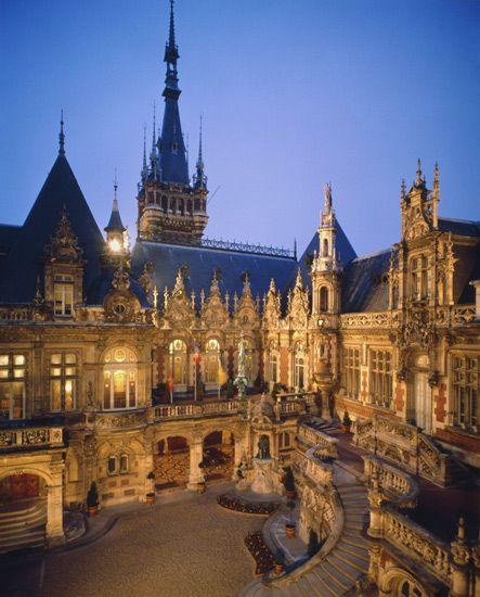 Le Palais Bénédictine de Fécamp - Week-end et vacances en Normandie - Normandie Tourisme