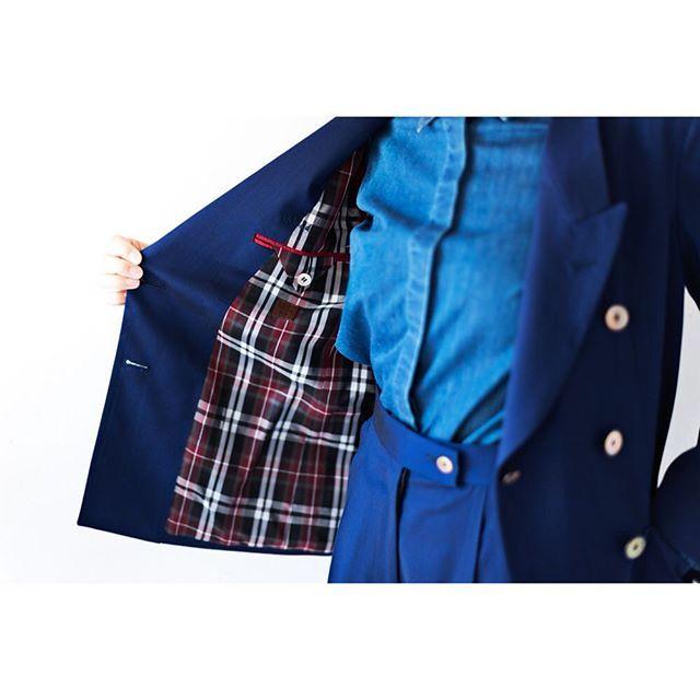 blue suit&denim shirt.  for women.      #lifestyleorder#meguro#ladiessuit#andc#instagood#photooftheday#ordersuit#fashion#ordermade#bespoke#suit#ootd#womens#denimshirt#gucci  #スナップ#レディーススーツ#スーツ女子#オーダースーツ#オーダーメイド#スーツ#目黒 #レディースファッション#デニムシャツ#オーダーメイド#デニム