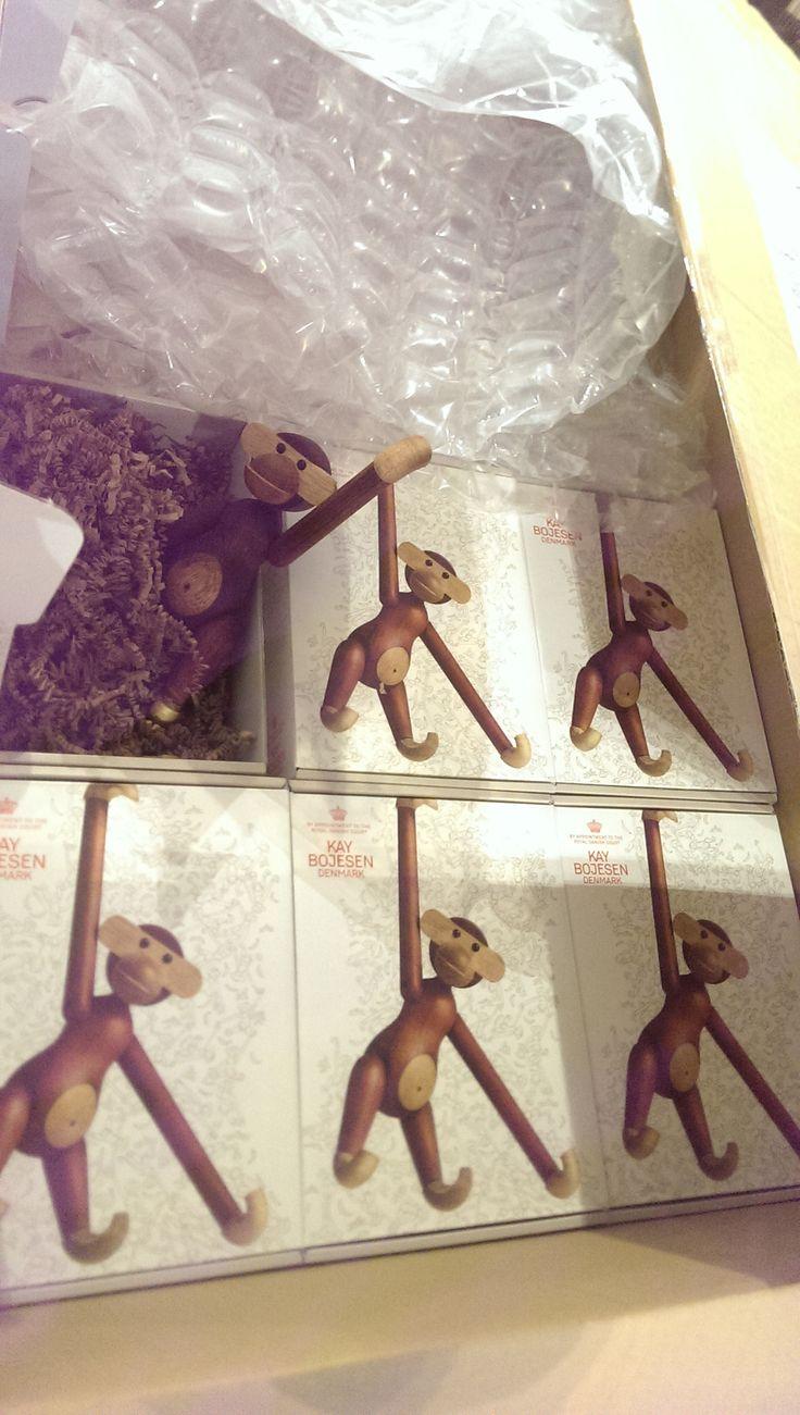 Affentheater - Der ganz normale Wahnsinn - Wir haben noch wenige der begehrten Monkeys von Kay Bojesen. #design #affen #kaybojesen