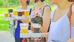 涼しくなった気もしますが台風のせいかな もうすぐ月月日には中之島公園でクラフトビアピクニックが開催されるってさ 音年くらいから始まったんだっけ 今年も中之島公園の青芝でビールが飲めるそうですよ 時間が時から夜時30分まで ちょっと涼しくなった空の下でビールを楽しめるよ  クラフトビアピクニック tags[大阪府]