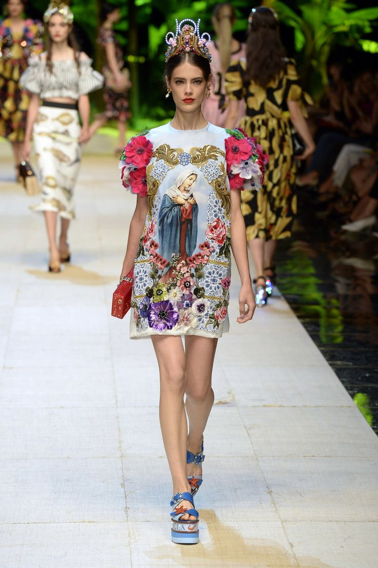 Dolce & Gabbana | Ready-to-Wear Spring 2017 | Look 67