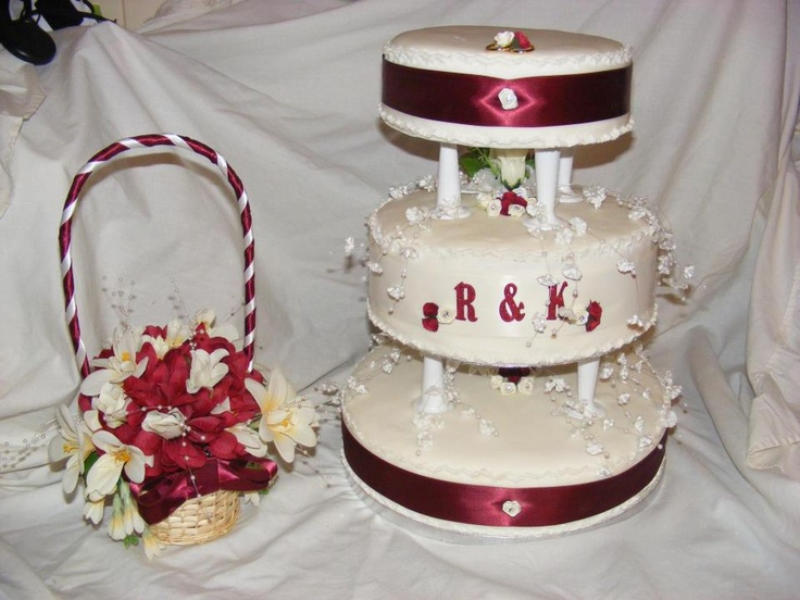 traditional wedding cakes, fruit or sponge