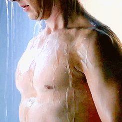 Benedict Cumberbatch shirtless, shower, Star Trek