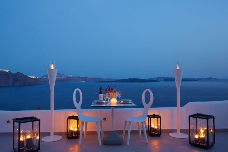 View our beautiful Oia hotel through our photogallery.