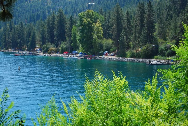 The 15 Best Campgrounds In The U.S. To Cool Off By The Lake – RV Mods – RV Guides – RV Tips | DoItYourselfRV