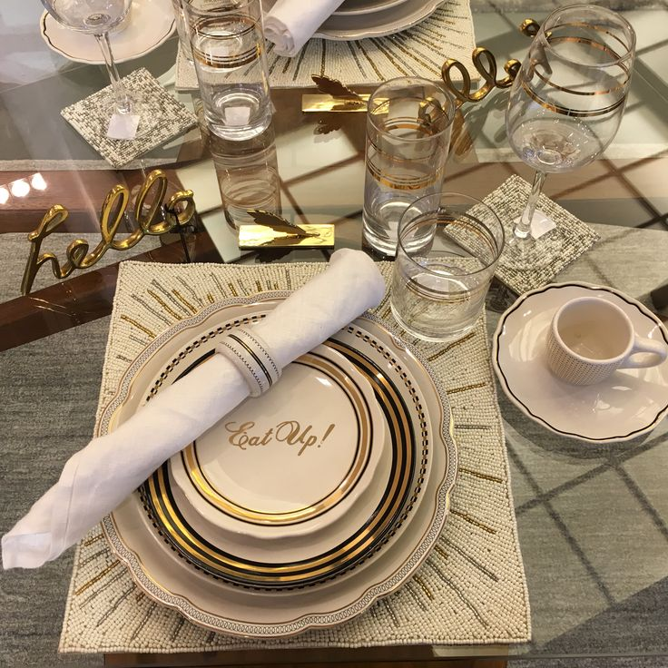Place setting #styling #visualmerchandising #westelm #display
