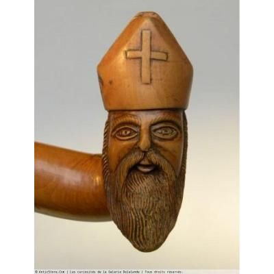 Canne Monoxyle Représentant Un évêque