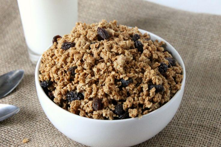 Natural Chow | Cinnamon Raisin Peanut Butter Granola Cereal | http://naturalchow.com