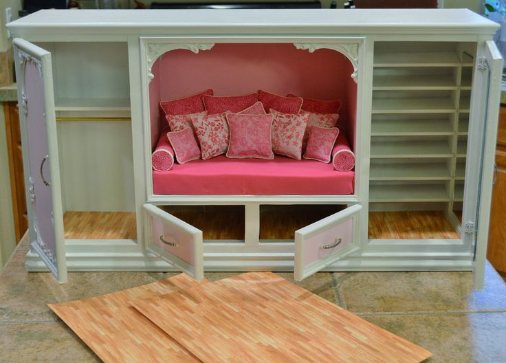 Is it a Diorama/Room box or Furniture ? Sort of both I guess. A 1/6 Scale Nook Bed with double walk-in closets. Mirror lined, brass wardrobe poles and most important a SHOE WALL with tilted shelves that will holds a ton of Pumps !