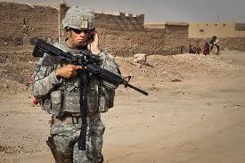 Amerikanen krijgen steeds meer macht in Iran. Sommige vrouwen uit zijn huis krijgen zelfs buitenechtelijke relaties met Amerikaanse soldaten.