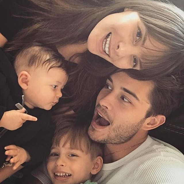 What a beautiful family. I really love you. Jess and Chico do not notice me. I'm really trying to see you. But you do not see. This is so sad. You like the photos of some fan pages, I'm jealous. Yes, a lot. Please recognize me too. I'm really sorry. I hope you will see me. Take good care of yourself. And always be happy. Because when you are happy I am not only you but I am very happy. 😍😍 💕❤@jessiann_gravel  @chico_lachowski #jessianngravel  #like4like #milolachowski #bigbang #baby  #love…