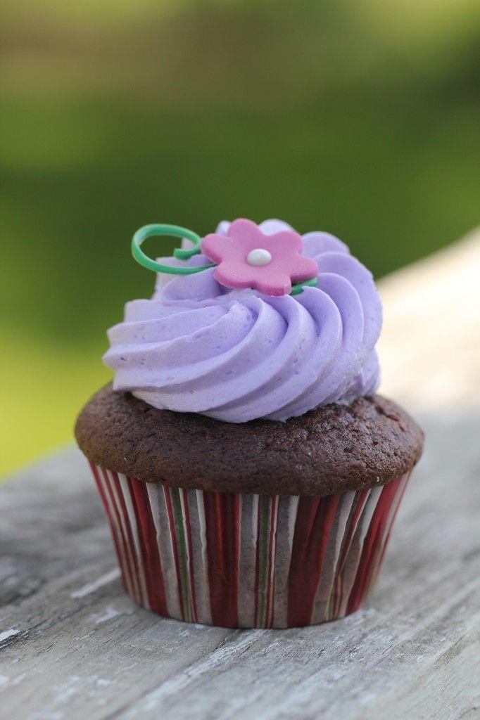 tangled cupcake