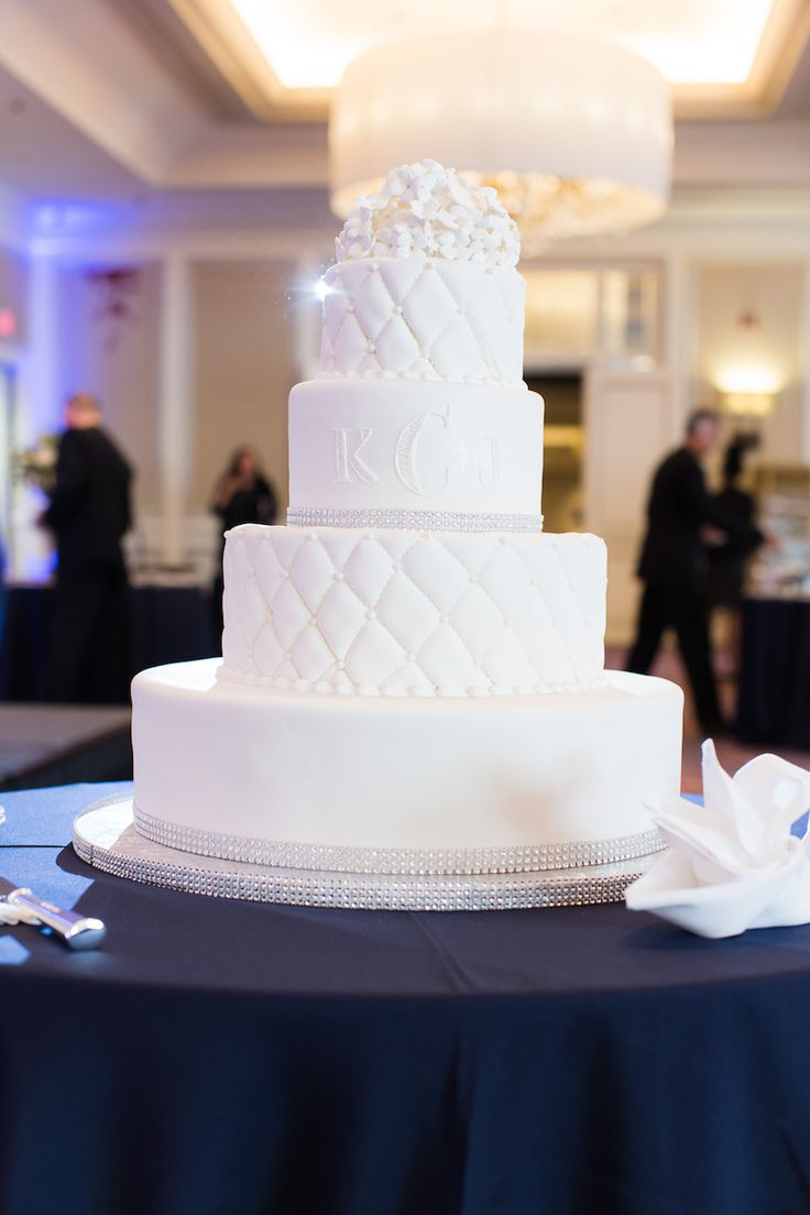 Boston Marathon Dream Wedding at Hyatt Regency Boston via Prudente Photography
