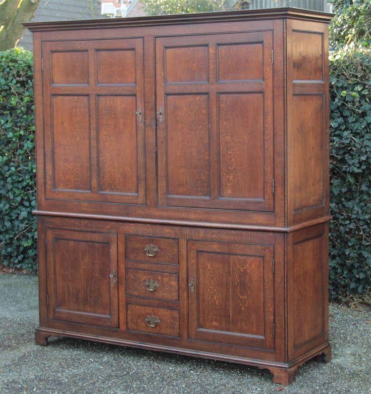 25 beste idee n over antieke kast op pinterest deuropening decoraties vintage kleerkast en - Antieke stijl badkamer kast ...