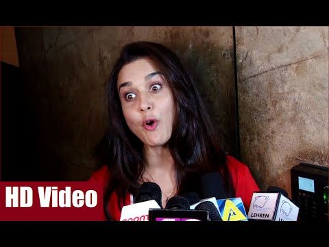Preity Zinta's reaction after watching Amitabh Bachchan's movie PINK.  #preityzinta #amitabhbachchan #pink #bollywood #bollywoodnews #latestbollywoodnews #dailybollywoodnews #bollywoodnewsvilla