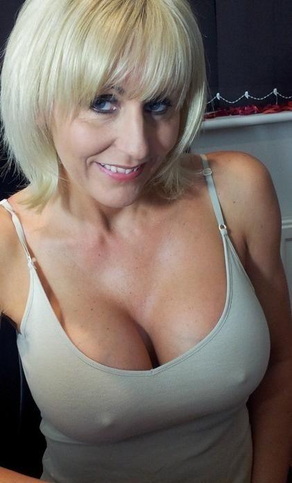 Nice mature women-6110