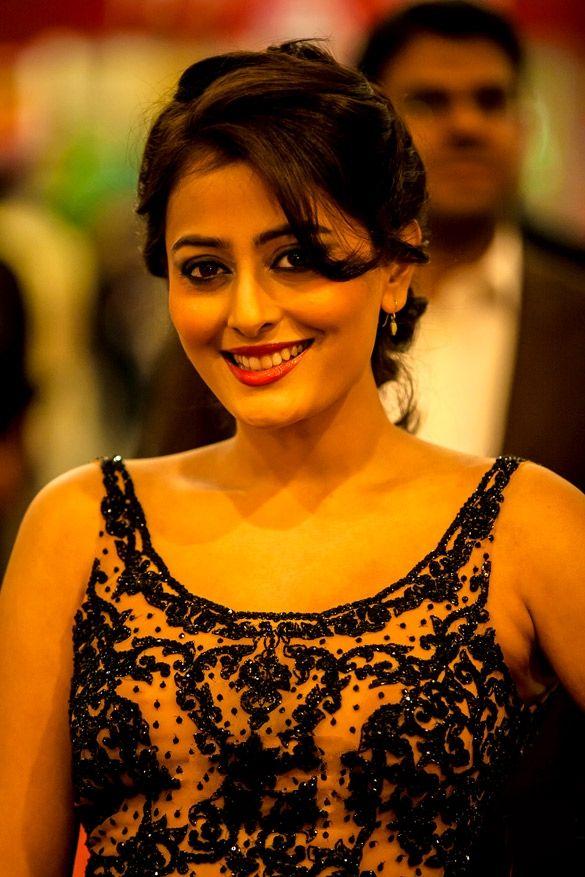 15 Hot & Spicy Photo's of Nidhi Subbaiah | Profile Details