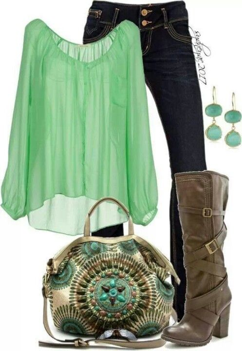 Green tunic, jeans, boots. Love the bag!