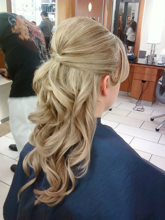 Another great bridal style by Michelle Arenas... soft and cascading.