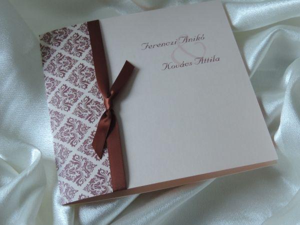 00124 - Damask mintázatú barack-barna meghívó, szalaggal - Szalagos esküvői meghívók - Esküvői meghívók - Webáruház - Esküvői meghívó, esküvői vendégkönyv, ültető és menükártya, köszönetajándék