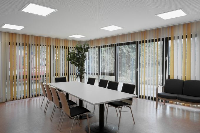 High efficiency with universal recessed luminaires for system ceilings | lighting.eu