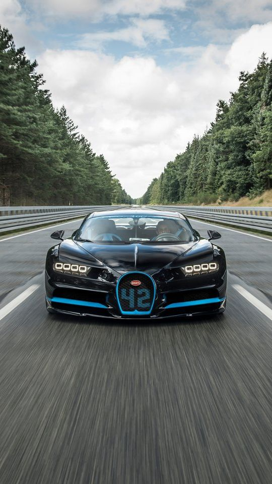 Bugatti Chiron On Track Wallpaper Android Wallpapers Pinterest