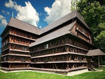 Hronsek – artikulárny evanjelický kostol - Drevené kostoly - Slovakia.travel