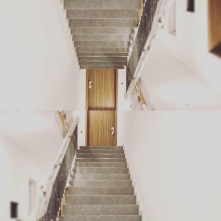 Chiar dacă scările din #sophiaresidence nu arată atât de suprarealist, uneori ne…