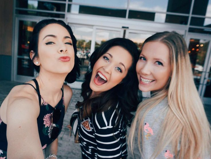 Yesterday we shot with our collabaway winner and it was SO much fun! We had a sleepover filmed 3 videos & finished off at Sharkeys! I can't wait to show you guys what we filmed!!! @briannahertzberg @nikkiphillippi  http://ift.tt/2begmzc