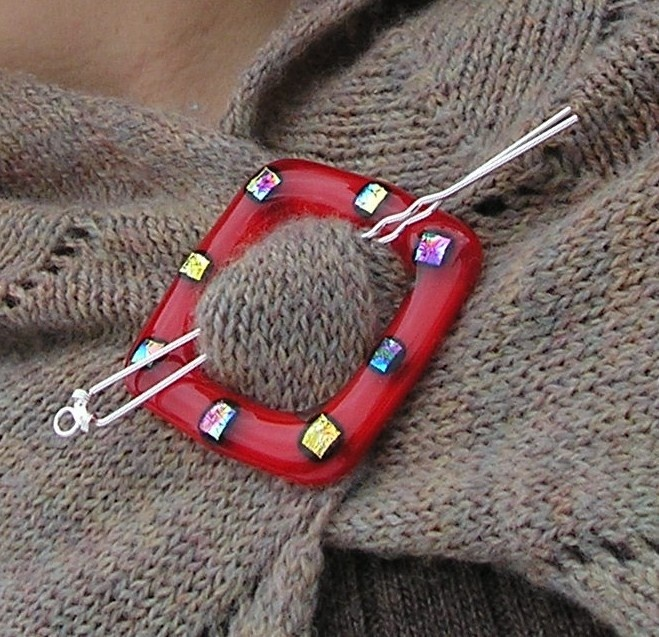 Fused Glass Shawl Pin - Lady in Red. Clever idea