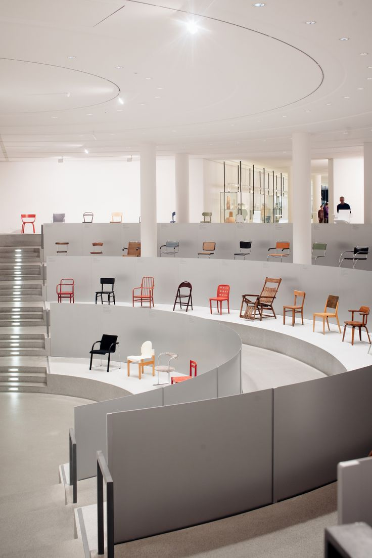 Thonet & Design Thonet & Design is a minimalist showroom located in Munich, Germany, designed by Steffen Kehrle