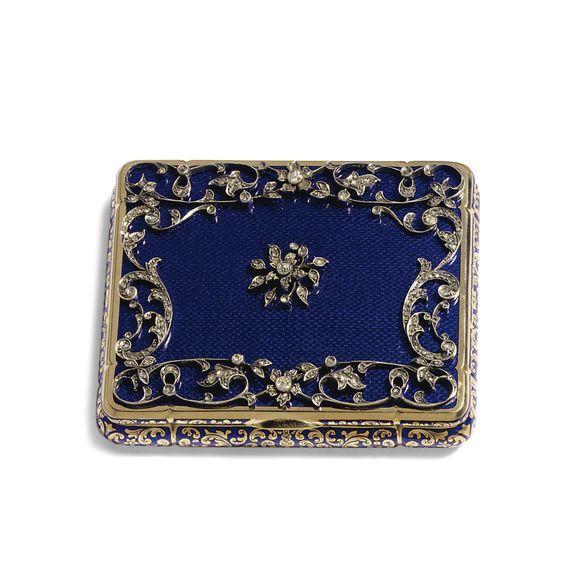 56 best vanity case cigarette case images on pinterest vanity cases cigarette case and art. Black Bedroom Furniture Sets. Home Design Ideas