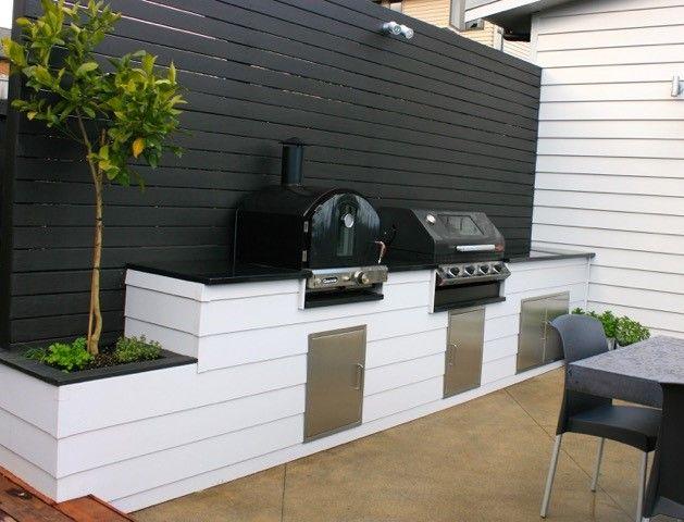 Custombuild outdoor kitchen