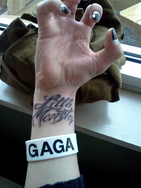 20 Awesome Lady Gaga T...