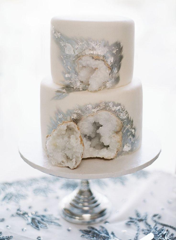 geode cake from Palm Springs wedding at Merv Griffin Estate: http://www.trendybride.net/palm-springs-wedding-merv-griffin-estate/