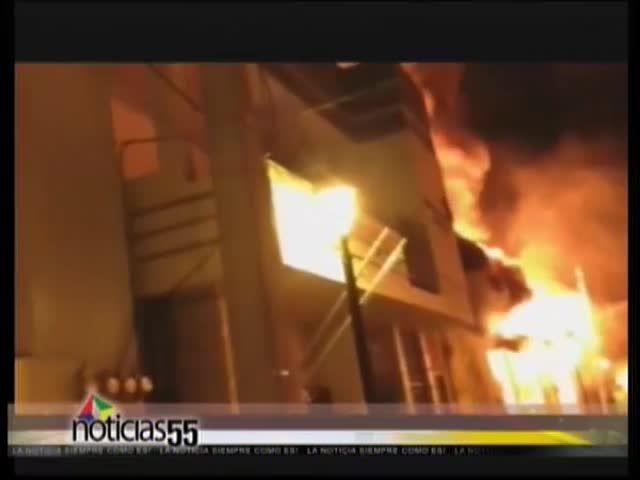 Incendio Devora Dos Casas Históricas En Santiago#Video