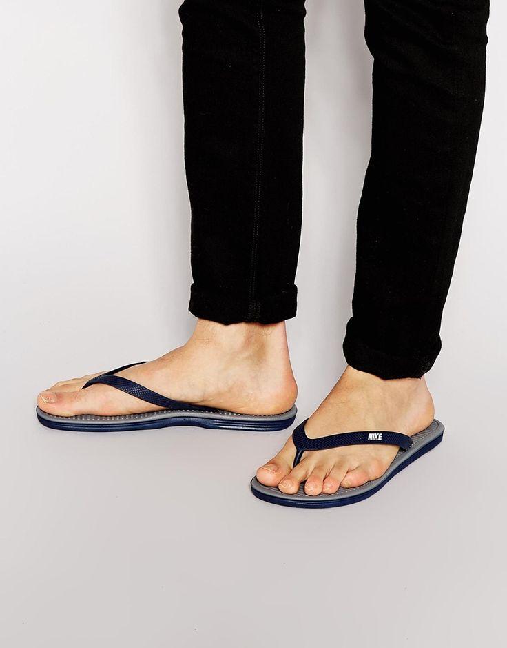 Flip-Flops von Nike Logo-Applikation Zehensteg strukturiertes Fußbett Waffelprofil Mit feuchtem Schwamm sauber wischen Obermaterial: 100% sonstige Materialien