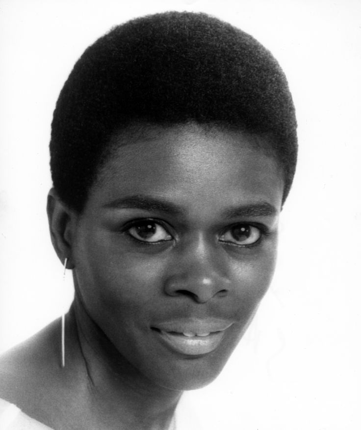 1967: Short and Natural 1967: SHORT AND NATURAL While many black women wore wigs over their hair, Cicely Tyson famously went natural during her role on East Side/West Side, prompting women everywhere to cut their hair short in imitation of the actress' gorgeous look.