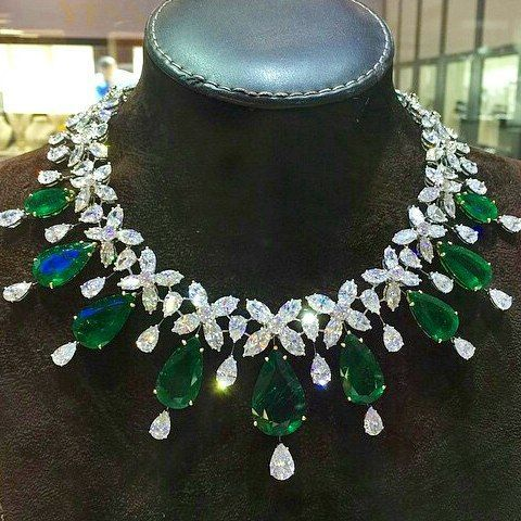 Sumptuous necklace featuring more than 100 carats of emeralds by @Yessayan Jewelry You can find a lot of beautiful things at Dubai Jewellery Week. Photo thanks to YESSAYAN Jewelry, salon1