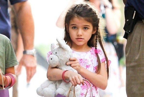 Little Fashionista, Big Style  Suri Cruise might only be 6, but Hollywood's favorite pint-sized princess embodies street style more glamorous than gals three times her age. Click through for some of her cutest fashion moments yet.: Suri Cruise, Street Styles, Style Suri, Big Style
