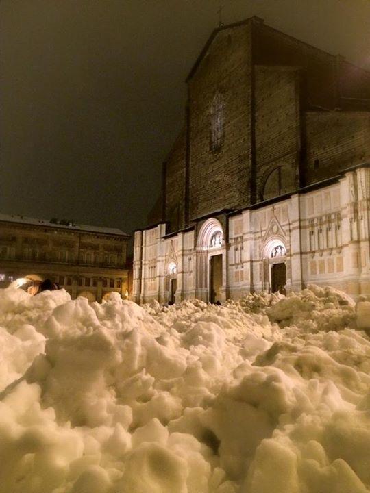 2015 Bologna sotto la neve: San Petronio  http://instagram.com/p/y0IwyHELfA/