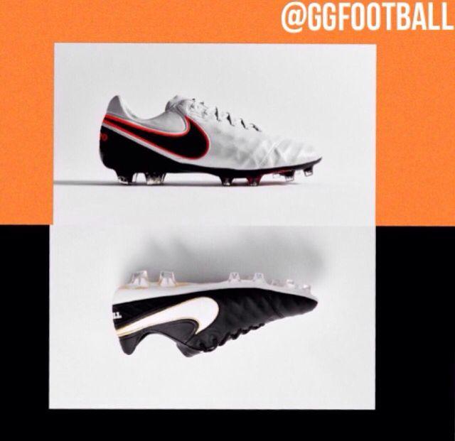Nike Tiempo VI