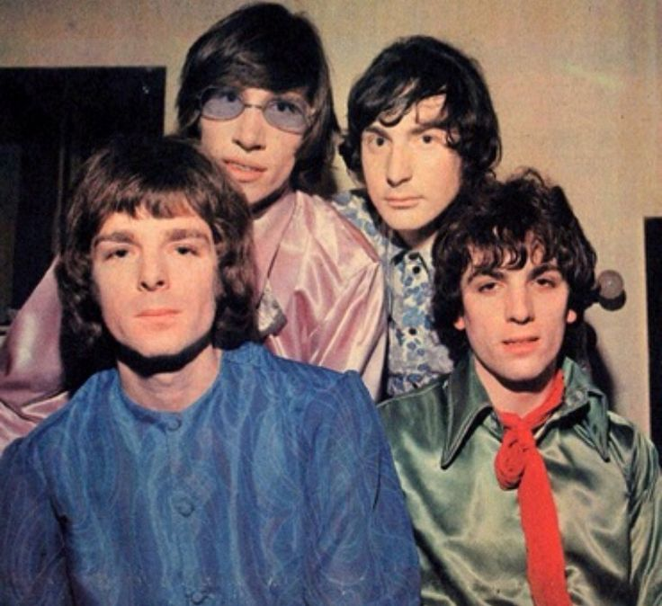 Mise en scene in the wall by Pink Floyd?