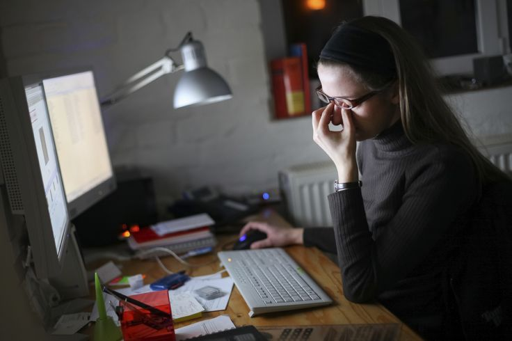 People who spend most of their time in front of a computer screen are at higher risk of suffering from eye strain. Here are the 5 top tips to avoid eye strain caused by computers:   http://floridaeyecareassociates.com/blog/top-tips-to-avoid-eye-strain-caused-by-computers  #CVS #Eye #Stress #Strain #EyeCare #Tips #EyeCare #EyeDoctor #Miami #Brickell #EyesOnBrickell #Blog