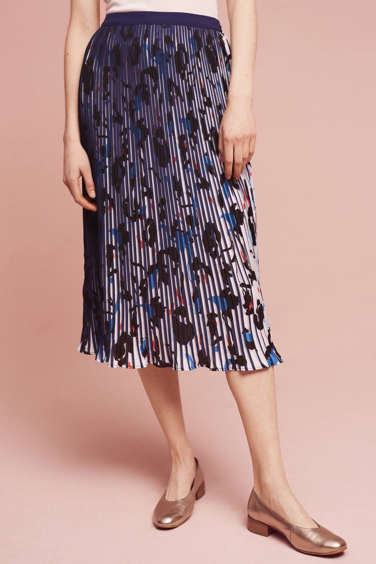 Slide View: 3: Nina Floral Midi Skirt