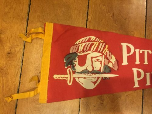 1960-039-S-VINTAGE-PITTSBURGH-PIRATE-BASEBALL-27-INCH-PENNANT-RARE